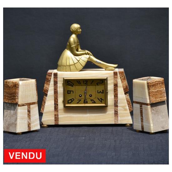 Garniture de cheminée en onyx et régule 1930
