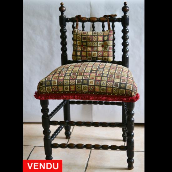 Chaise d'enfant ou 'dite' de nourrice en bois noirci époque 19ème.