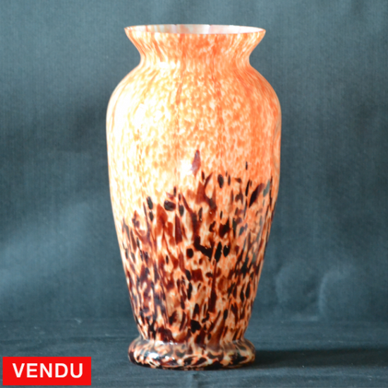Vase en verre marmoréen orange et marron