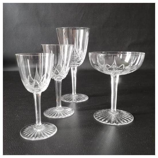 Baccarat - 37 verres en cristal taillé - modèle Epron