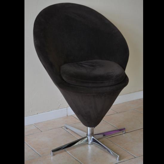 Fauteuil design conique inspiré du modèle Cône de Verner Panton